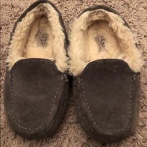 Grey Ugg slippers size 3. Excellent condition